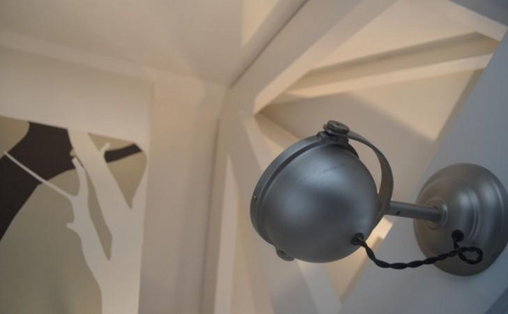 uitlichting van de balkenlaag op zolder