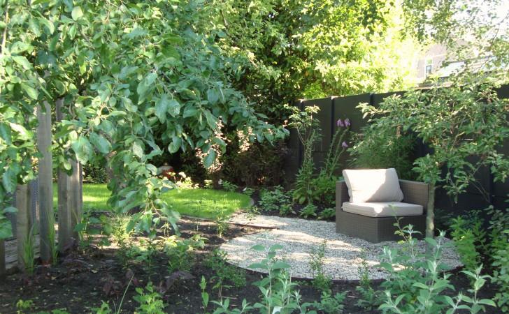 Heerlijk plekje afgezonderd van de tuin om bijv. te mediteren.